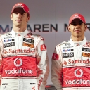 vodafone_mclaren_mercedes_mp4-25_launch_05